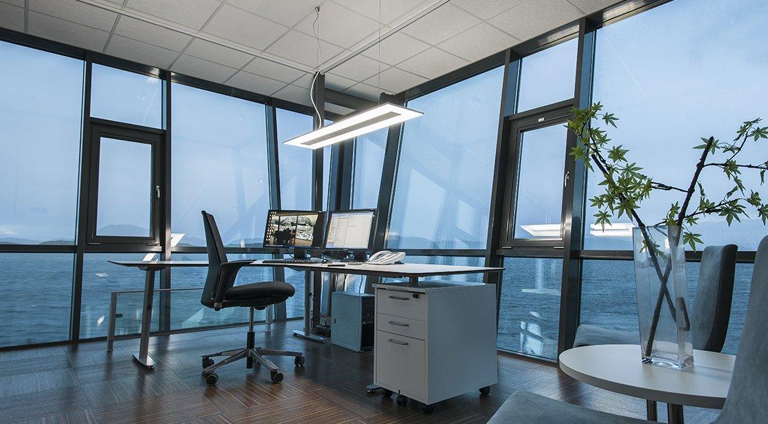 env_c75_office2
